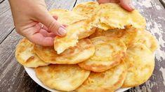 Zemiakové knedličky lenivej gazdinky BEZ múky: Veľmi jemné a nadýchané, odporúčam dávku zdvojnásobiť! Bread Recipes, Snack Recipes, Cooking Recipes, Snacks, Garlic Bread, Scones, Apple Pie, Macaroni And Cheese, Tart