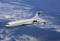 #13074 RAF VC-10 XV105 by Chris Lofting 2009-05-29