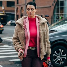 The Best Jacket Trends For Women For Autumn 2019 Cinema Outfit, Elle Taylor, Spring Fashion, Autumn Fashion, Trench Dress, Skirts With Boots, Fashion Editor, Fall Trends, Fall Wardrobe