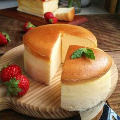 Don Perignon, Cotton Cheesecake, Japanese Cake, Homemade Sweets, Bread Cake, Cafe Food, Sweets Recipes, Cheesecake Recipes, Yummy Cakes