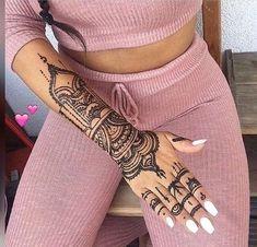 30 Most Popular Mehndi Tattoo Designs in 2019 Tribal Hand Tattoos, Henna Tattoo Hand, Hand Tattoos For Women, Arm Tattoos For Men Half Sleeves, Arm Tattoos For Guys, Body Art Tattoos, Henna Tattoo Designs Arm, Hamsa Tattoo Design, Henna Designs