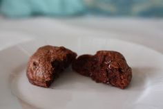 Yummy Mummy Kitchen: Levain Bakery Dark Chocolate Chocolate Chip Cookie Recipe (knock-off)