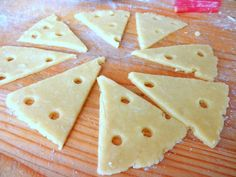 Rýchle syrové krekry (fotorecept) - Recept Bread, Food, Basket, Meals, Breads, Bakeries, Yemek, Patisserie, Eten