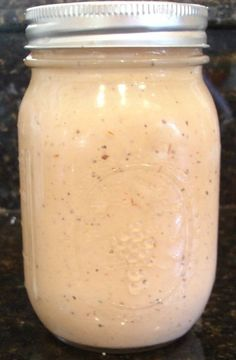 ComeBack Sauce Makes a pint jar full. - 1 cup mayonnaise - cup ketchup - cup chili sauce - 1 tsp Dijon mustard - 1 tsp onion powder - 1 t. I Love Food, Good Food, Yummy Food, Tasty, Yummy Eats, Copycat Recipes, Sauce Recipes, Cooking Recipes, Cooking Chef