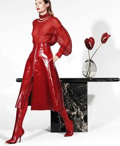 Drake Burnette in Elle US September 2017 by Paola Kudacki all red This image. Latex Fashion, Red Fashion, High Fashion, Fashion Outfits, Womens Fashion, Horse Fashion, Yellow Fashion, Floral Fashion, Holiday Fashion
