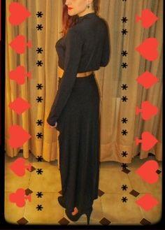 Conjunto de top y falda. PVP:15€ Elástico Manga larga. Negro. Fascinación. Cool. Atrevido. Material: algodón. En stock: talla S/M