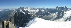 ¿Qué es el Mont Blanc? Es la montaña más alta de Europa Occidental con una altura de 4.810,45 metros. Fronterizo entre Francia e Italia, este pico da nombre al Macizo del Mont Blanc, conjunto de cumbres de los Alpes que contienen muchas otras montañas de más de 4.000 metros. El Macizo del Mont Blanc es …