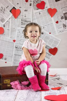Our favorite Valentine's Day Photos of Madison – Vacationland Mama Valentines Day Photo Shoot.Valentines Photography Valentine's Working day … Valentine Mini Session, Valentine Picture, Valentines Day Pictures, Valentine Heart, Baby Pictures, Baby Photos, Newborn Photography, Felicia, Photo Shoot