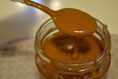 The Kitchen Food Network, Chocolate Fudge Frosting, Greek Cooking, Types Of Cakes, Candy Recipes, Food Network Recipes, Caramel, Sweet Tooth, Food And Drink