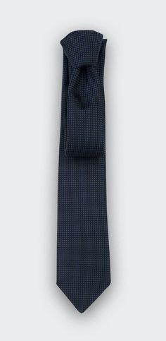 4029 meilleures images du tableau Cravates chic pour homme   Man ... 9c71aece18d