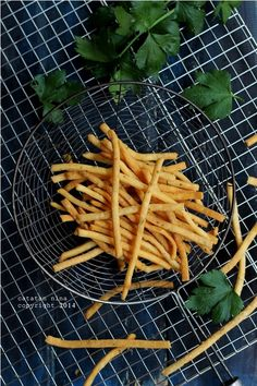 CELERY CHEESE STICK (PUTIH TELUR) | Catatan-Nina Cookie Recipes, Snack Recipes, Snacks, Lumpia, Food Photography Tips, Rose Cake, Indonesian Food, Cake Cookies, Kale