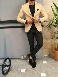 Mens Fashion Suits, Blazer Fashion, Fashion Outfits, Men's Fashion, Beige Blazer Outfit, Blazer Outfits, Casual Outfits, Black Pants Brown Shoes, Brown Suits For Men