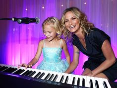 Star Tracks: Friday, August 14, 2015 | THE COLOR OF MUSIC | Aww! Jennifer Nettles and Alyvia Lind, stars of the Dolly Parton-inspired TV movie Coat of Many Colors, pose for a cute shot at the TCAs in Beverly Hills on Thursday.