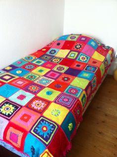 Sprei gemaakt van cal 2014 Crocheting, Quilts, Blanket, Crochet, Crochet Crop Top, Quilt Sets, Quilt, Rug, Chrochet