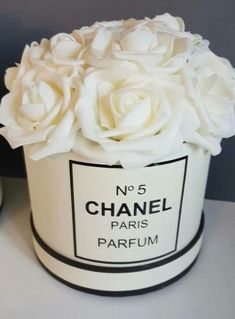 house flower boxes 434245589075124354 - Chanel flower arrangement, I'm really pleased with this it's in my Sitting room Source by Chanel Birthday Party, Chanel Party, Bedroom Themes, Bedroom Decor, Bedrooms, Estilo Coco Chanel, Chanel Bedroom, Chanel Flower, Chanel Decor