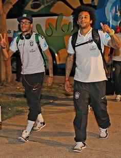 Naymar and Marcelo. Soccer Guys, Soccer Players, Football Soccer, Messi And Ronaldo, Cristiano Ronaldo, Neymar Jr, Ronaldo Real Madrid, Unconditional Love, Fc Barcelona