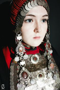 Beautiful People, Beautiful Women, Ethno Style, Picture Logo, Pure Beauty, People Photography, World Cultures, People Around The World, Traditional Dresses