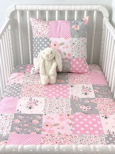 Watercolor Floral Baby Girl Blanket, Girl Nursery Decor, Floral Crib Bedding - Baby Pink and Gray Watercolor Flowers Baby Girl Quilts, Baby Girl Blankets, Girls Quilts, Kid Quilts, Patchwork Blanket, Patchwork Baby, Patchwork Quilting, Quilting Patterns, Quilting Ideas