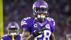 Free-agent running back Adrian Peterson and the New Orleans Saints are negotiating a contract, sources told ESPN's Field Yates.