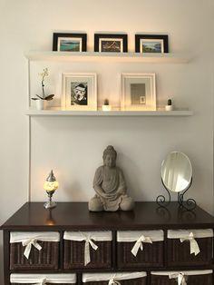 IKEA Hack – Mosslanda Bilderleiste mit indirektem Licht DIY You want to beautify your home and still Ikea Diy, Cool Diy, Ikea Hack, Ikea, Home Decor, Glass Shelves, Home Diy, Diy Lighting, Ikea Pictures