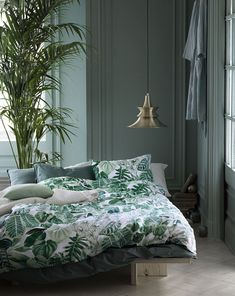Green dream: These palm print bedding designs by H&M home will give your home a tropical t...
