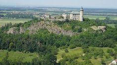 Kunětická hora Beautiful Castles, Czech Republic, Paris Skyline, Dolores Park, Around The Worlds, Earth, Volcanoes, Travelling, Medieval