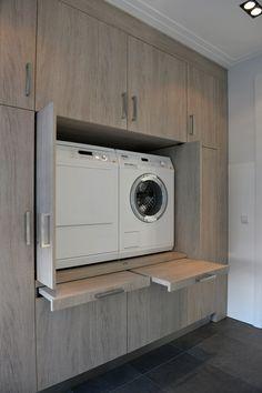 Eigen project Laundry Room Storage, Laundry Room Design, Kitchen Design, Modern Laundry Rooms, Kitchen Countertops, Mudroom, Washing Machine, Bathrooms, Kitchens