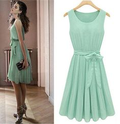 It is MKFS chiffon light green sleeveless knee length bowknot pleated dress . Chiffon , Knee Length give this dress elegant flair. Wear this dress for a fashion, casual look. Dress Skirt, Dress Up, Dress Vest, Lace Vest, Chic Dress, Babydoll Dress, Boho Dress, Vestidos Retro, Mode Style