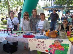 EN LA PLAZA VERA: Anticipando la Navidad, los Clubes de Abuelos expusieron sus trabajos #VamosParaAdelante