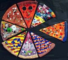 Relief Sculpture Pizza. Very creative idea and a good way to use the last bits and pieces of craft materials that tend to accumulate after projects.
