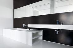 Badewanne und Waschtisch nach Maß | Upper Eastside Berlin | manufactured by Hasenkopf
