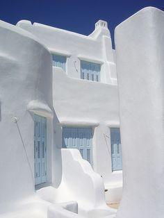 House in Naxos, Greece. I adore clean, crisp stark white stucco.