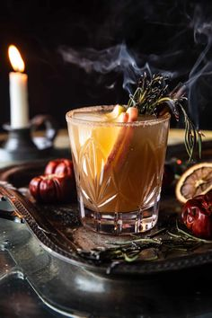Halloween Cocktails, Easy Cocktails, Cocktail Recipes, Drink Recipes, Fall Recipes, Cocktail Ideas, Thanksgiving Drinks, Fall Drinks, Party Drinks
