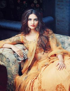 Sonam Kapoor Can't Wait To Hang Out With This Pakistani Actress At Cannes Film Festival Sonam Kapoor, Pakistani Actress, Bollywood Actress, Bollywood Stars, Bollywood Fashion, Moda India, Glamour, Diva Fashion, Bollywood Celebrities