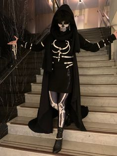 #GideonTheNinth - Twitter Search / Twitter Necromancer, Fantasy Costumes, The Nines, Pop Surrealism, Fan Fiction, Book Characters, Priest, Corsets, Costume Design