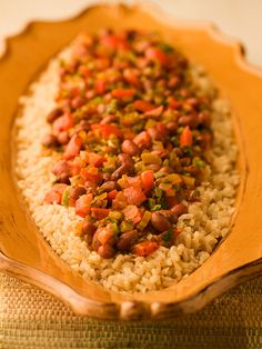 Southwest Rice and Red Beans. A flavourful, veggie packed meal uses red beans as its protein source. If you can't find red beans, try kidney beans instead. Veggie Recipes, Vegetarian Recipes, Cooking Recipes, Healthy Recipes, Budget Recipes, Family Recipes, Cooking Ideas, Lunch Recipes, Family Meals