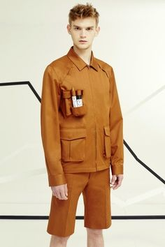 IDEA/NOTE : pant and jacket style/pattern -- Chalayan Spring 2016 Menswear collection. Male Fashion Trends, Fashion Images, Fashion Details, Fashion Design, High Fashion, Mens Fashion, Mens Trends, Mode Inspiration, Mode Style