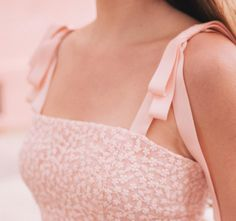 The sweetest grosgrain ribbon detail on our Helen dress that will also be available in white 18 days! More over on shop.galmeetsglam.com…