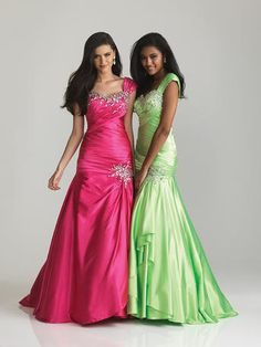 Love it in the pink not so much a fan of the green one though... maybe a light tuquosie color or a red...