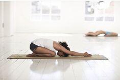 Tibetan Dream Yoga (also called Yoga Nidra) is the state between Dream and Sleep! It has plenty of benefits - find them & watch free Yoga Nidra classes! Yoga Nidra, Bikram Yoga, Yoga Sequences, Vinyasa Yoga, Yin Yoga, Yoga Meditation, Beginner Yoga Routine, Morning Yoga Routine, Yoga For Beginners