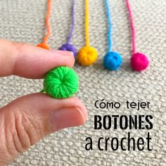Botón tejido a crochet en video tutorial