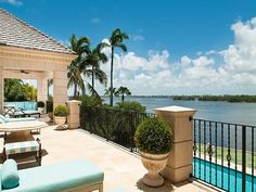 Palm Beach Mansion - Covering an area of 13,000 square feet, it shares incredible panoramas of the Pacific Ocean and of the inter-coastal highway.  Consisting of 7 luxurious bedrooms, adjacent full luxury baths – 8 bathrooms and 5 half-baths – and a superb pool with its own fountain.