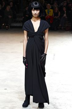 Yohji Yamamoto Fall/Winter 2013-2014 at Paris Fashion Week  via Dictator of taste
