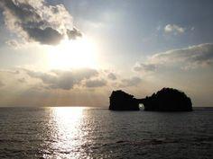 2012/11/07 白良浜, 南紀白浜, 和歌山県 / Shirarahama Beach, Nanki Shirahama, Wakayama, Japan Romania Tours, Wakayama, Places To Go, Clouds, Celestial, Sunset, Country, Outdoor, Outdoors