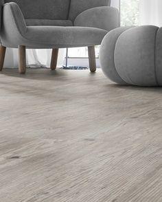 Der Designboden Ela Diamant 22 Planken Eiche von Hometrend wirkt durch die Oberfläche ausdrucksstark, natürlich und lebhaft – meinwohnstore.de