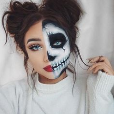 Looking for for inspiration for your Halloween make-up? Browse around this website for cute Halloween makeup looks. Fröhliches Halloween, Cute Halloween Makeup, Sugar Skull Halloween, Halloween Makeup Clown, Skeleton Halloween Costume, Halloween Tutorial, Halloween Inspo, Halloween Images, Cool Halloween Costumes