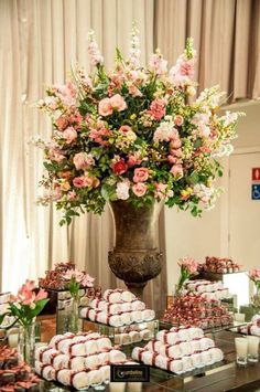 Floral Centerpieces, Wedding Centerpieces, Wedding Decorations, Table Decorations, Pink Wedding Colors, Floral Wedding, Wedding Flowers, Large Flower Arrangements, Table Arrangements