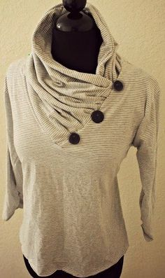 Trash To Couture DIY V-Neck into Gathered Cowl Collar @ trashtocouture.com