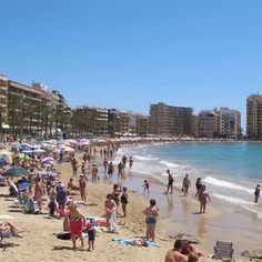 Ken je de Costa Blanca? Goudkleurig zand, verborgen baaitjes, turquoise water,... Dit is onze Top Tien stranden in de provincie Alicante!