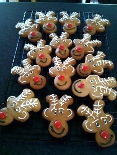 Reindeer shortbread! Christmas Things, Christmas Ideas, Christmas Crafts, Reindeer Cookies, Gingerbread Cookies, Shortbread Cookies, Christmas Baking, Xmas Gifts, Teacher
